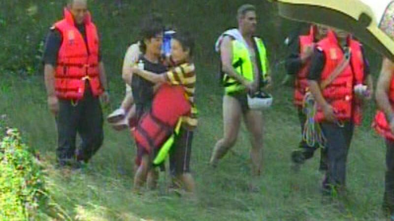 La un pas de moarte! Au plecat sa faca rafting, fara echipament de salvare!
