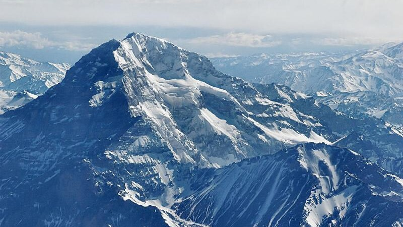 Urca munti si bate recorduri ca sa isi ajute un prieten bolnav!