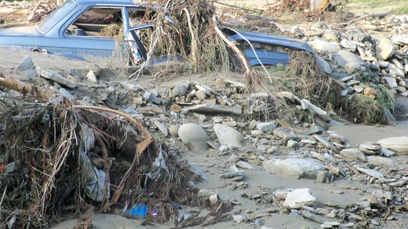 Harta durerii. Moldova distrusa de inundatii