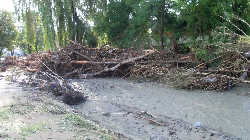 Alerta de inundatii in Timis. Raurile au iesit din matca si au inundat mai multe terenuri agricole
