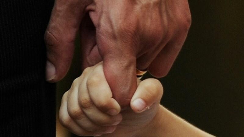 Fata si tata