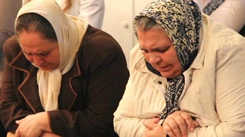 BBC:150 de familii de romi s-au refugiat in orasul care i-a condamnat la moarte acum 70 de ani.VIDEO