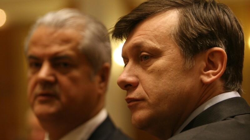 Crin Antonescu, Adrian Nastase