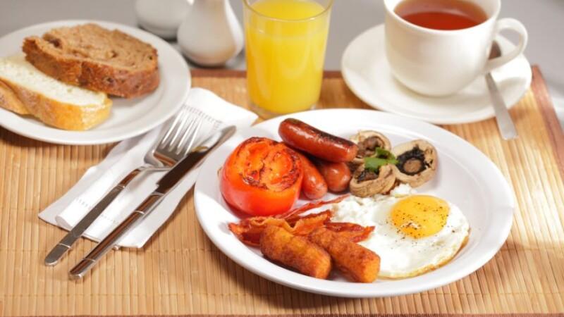 Nu lasati copiii sa ocoleasca micul dejun. Creierul are nevoie de glucide dimineata