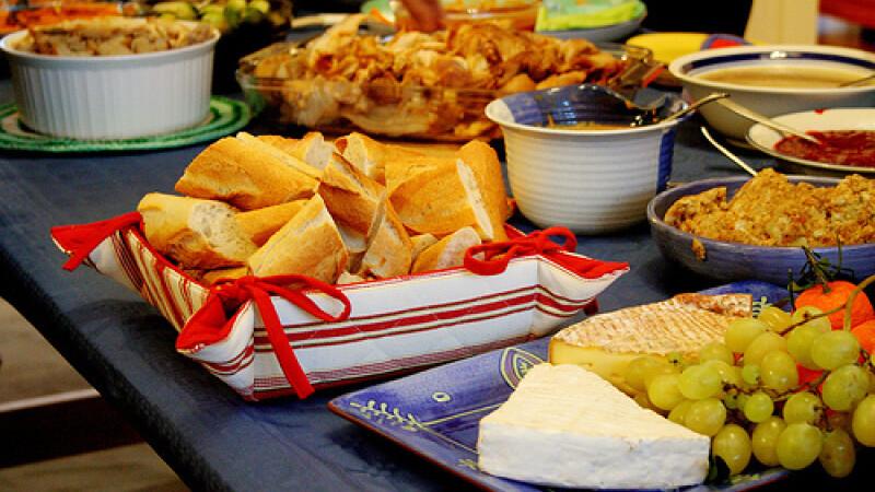 Inspectorii OPC Cluj au gasit sute de kilograme de alimete expirate in restaurantele din oras