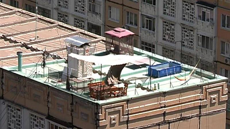 strand pe acoperisul blocului