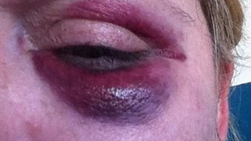 Mama batuta la locul de joaca de o fata de 14 ani. De la ce a pornit totul