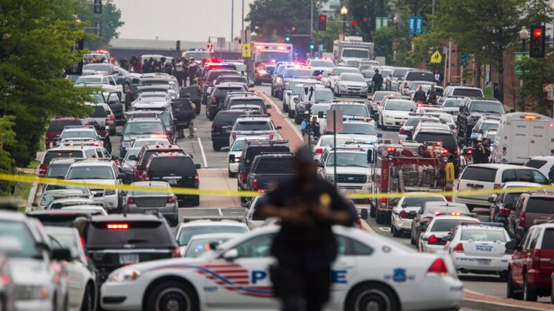 Posibil atac asupra bazei navale din capitala Statelor Unite. Un cartier intreg din Washington a fost izolat