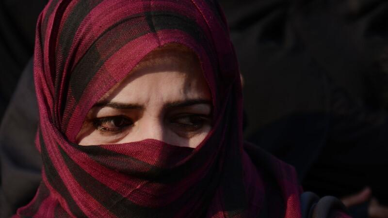 Secretele intunecate ale Statului Islamic, dezvaluite de o femeie. Pe cine au prins americanii, dupa o lupta corp la corp