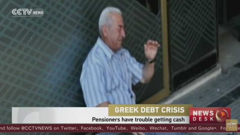 Crying Greek pensioner - captura youtube
