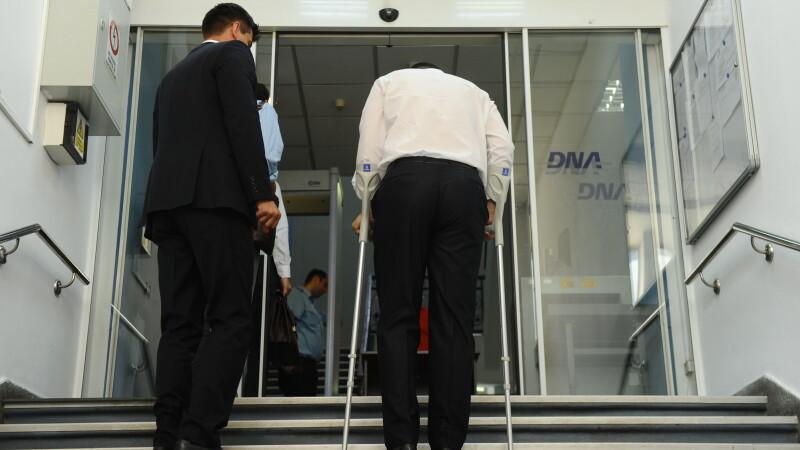 Victor Ponta in carje la sediul DNA - AGERPRES