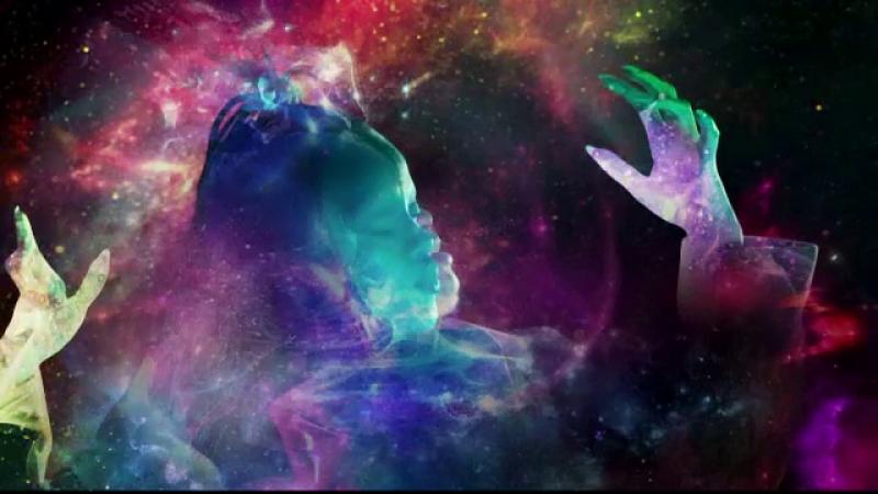 videoclipul piesei Sledgehammer