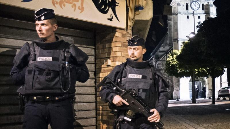 politie franta agerpres