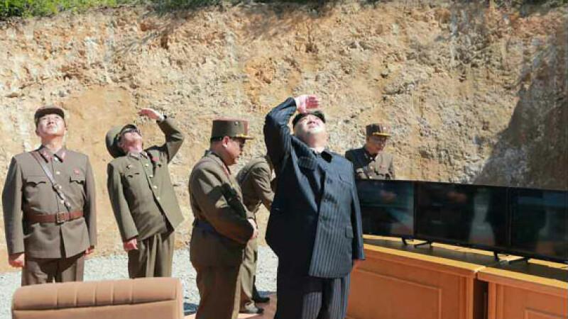 Coreea de Nord a lansat 3 rachete, toate un eșec