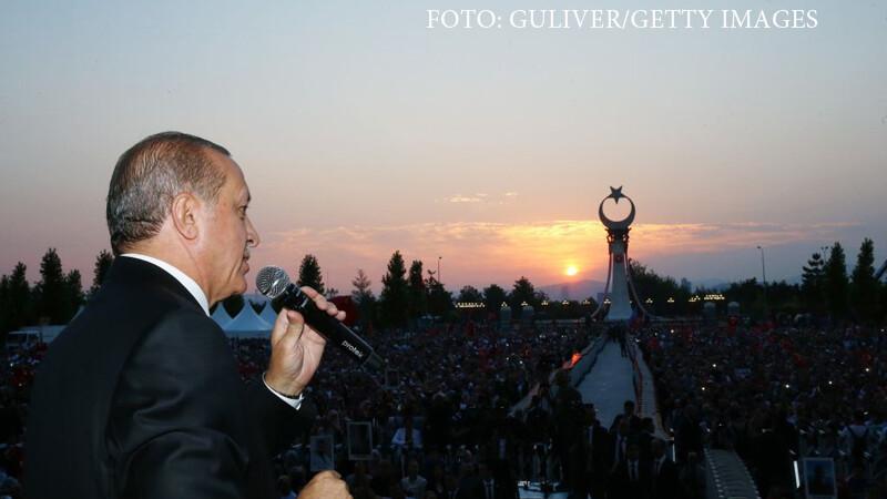 Erdogan a comemorat un an de la puciul esuat din Turcia printr-un miting urias