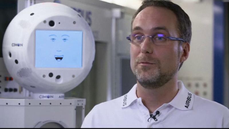 Primul robot