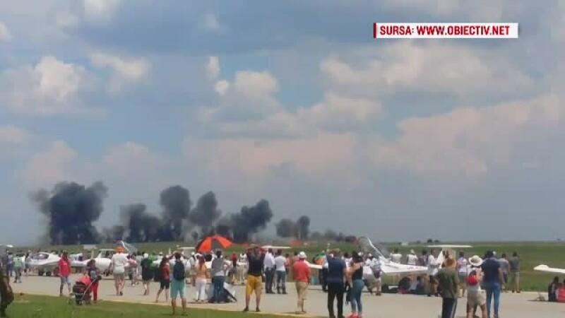 Momentul în care avionul MIG s-a prăbușit la Fetești. Câmpul a ars pe câteva mii de metri pătrați