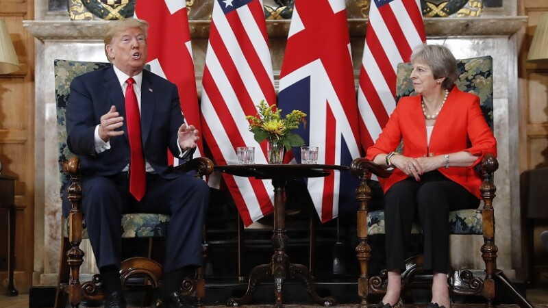 DOnald Trump şi Theresa May