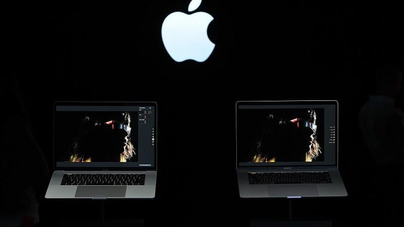 iLikeIT. Cel mai nou și puternic laptop Apple costă aproape cât o mașină