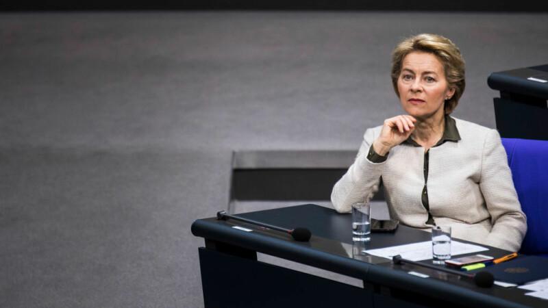 Ursula Von der Leyen - 7