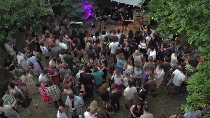 Un nou concept de petrecere apărut în România. De ce aleg tinerii astfel de evenimente