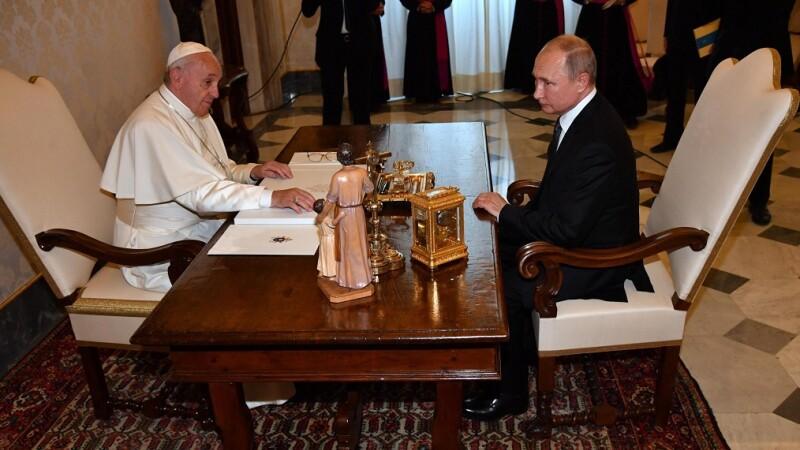 Vladimir Putin si Papa Francisc