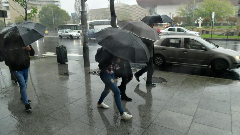 Atenționare meteo. Cod portocaliu de furtună, în București și în Ilfov