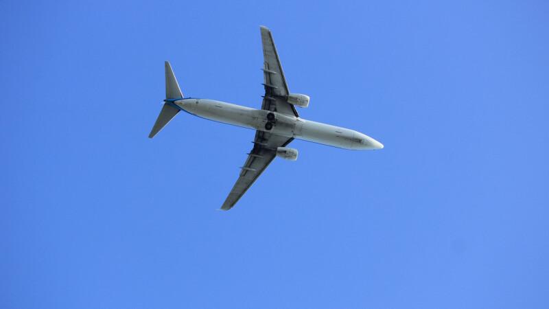 Momentul în care două avioane se ciocnesc pe aeroportul din Amsterdam