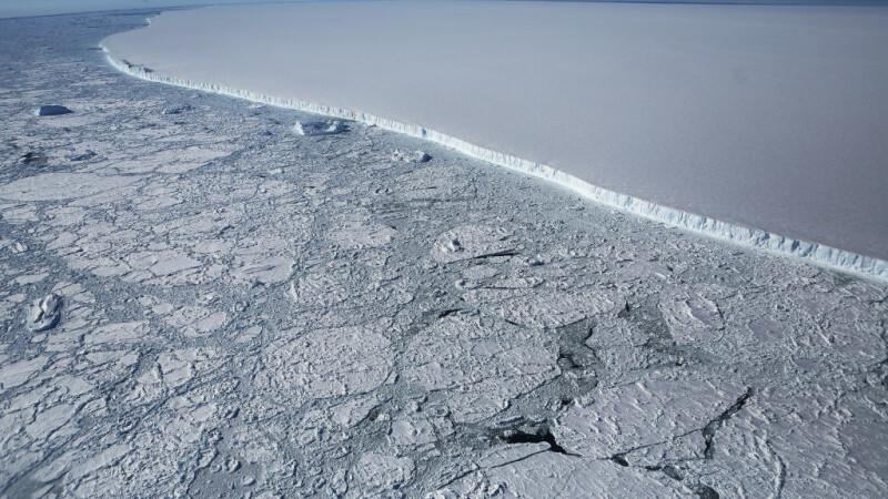 Unde a ajuns cel mai mare ghețar din lume. Acum 2 ani s-a desprins din Antarctica