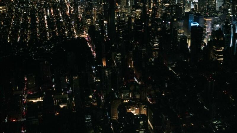 O pană uriașă de curent a lăsat în întuneric Manhattanul - 4