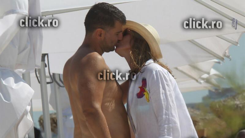 Simona Halep, sărut pasional cu noul iubit milionar pe plaja la Mamaia! FOTO