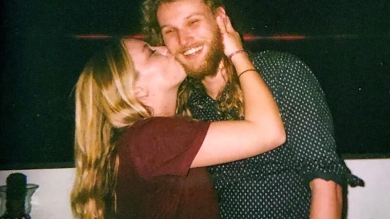 Crime suspecte. O americancă și iubitul ei australian, găsiți morți pe un drum izolat - 1