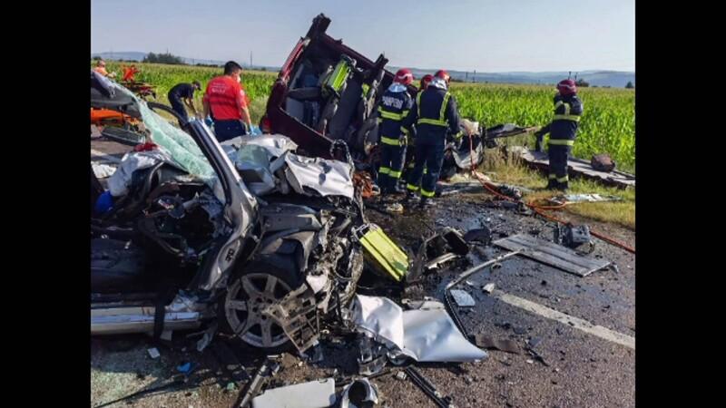 Un adolescent supraviețuitor al accidentului cu 7 morți din Bacău, transferat la București. Cine este vinovat de carnagiu