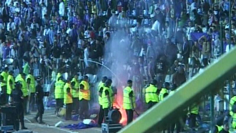 Razboiul suporterilor la Finala Cupei Romaniei! Vezi aici mai multe imagini