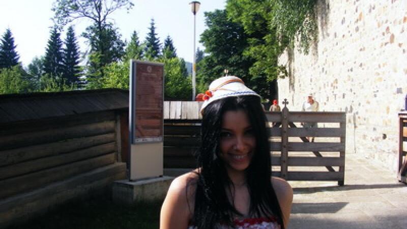 Corina Caragea la manastiri