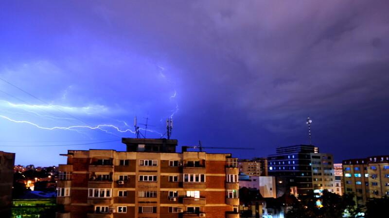 furtuna, fulgere, nori