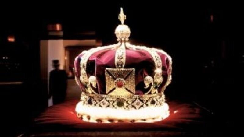 Monarhismul, noua moda in retelele sociale. Cine ar putea fi REGELE Carol al III-lea al Romaniei