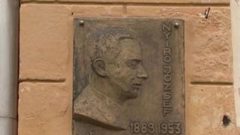statuie Nyiro Jozsef, Gandul