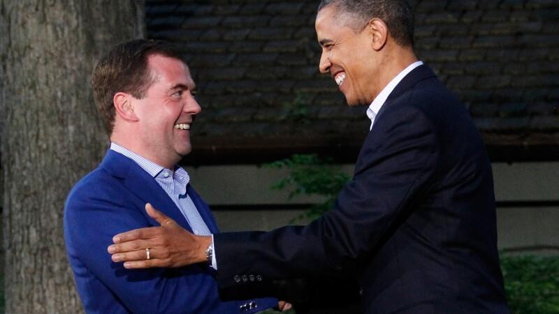 The Guardian: Spionii americani din NSA i-au ascultat telefonul lui Medvedev cand a fost la Londra