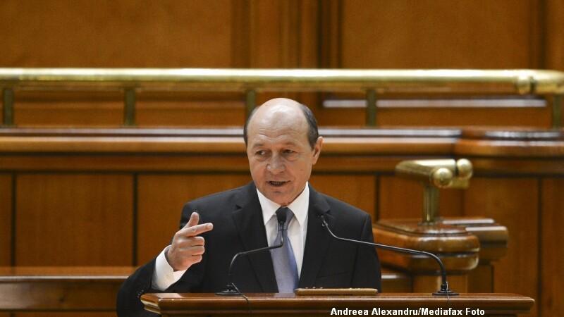 Basescu, Parlament