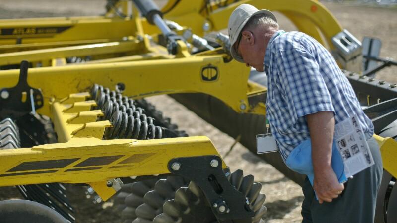Constantin:Statul va acorda din 2014 ajutor nerambursabil de 15.000 euro pentru dezvoltarea fermelor