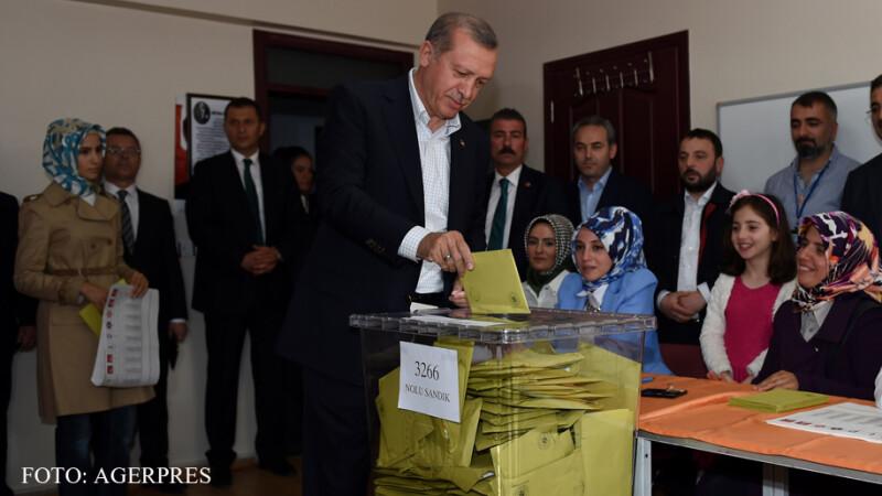 Recep Erdogan voteaza la alegerile parlamentare din 7 iunie