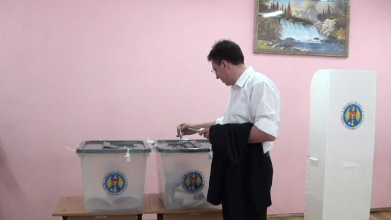 Republica Moldova: Sectiile de votare s-au inchis. Rata de participare a fost de peste 48%