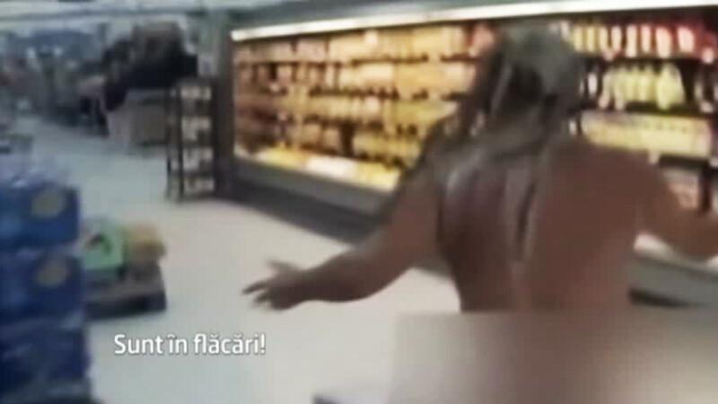 barbat dezbracat magazin SUA