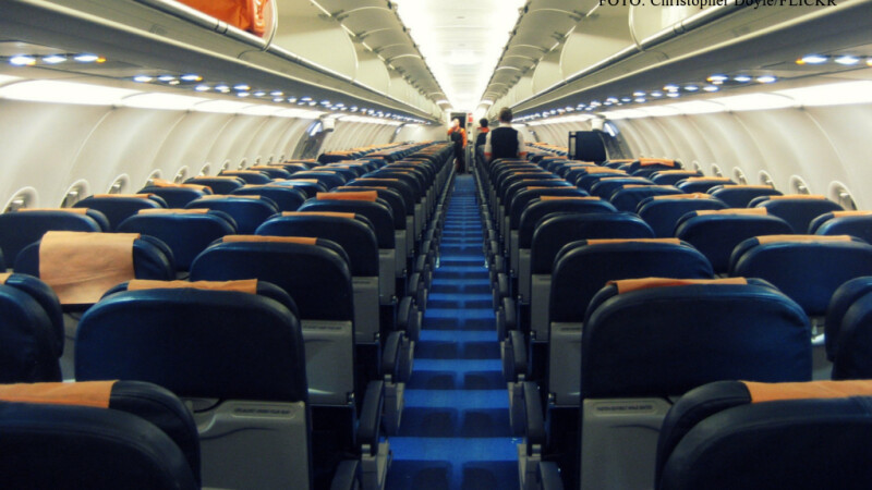 scaune goale avion pasageri