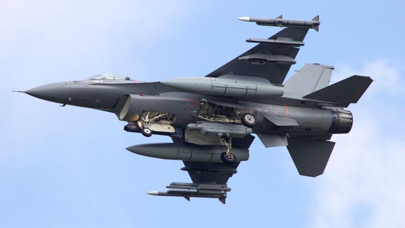 F16 - Shutterstock