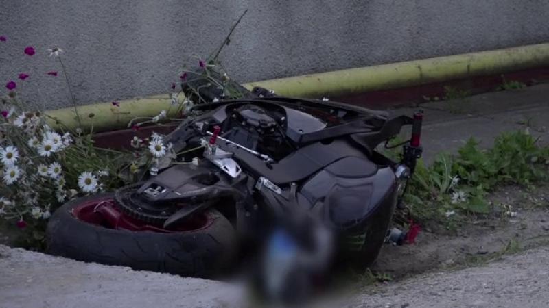 motocicleta rasturnata in sant
