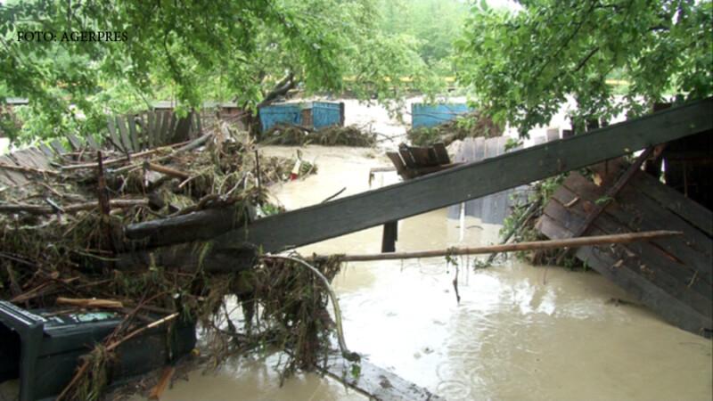Inundatii in comuna Parjol, jud. Bacau