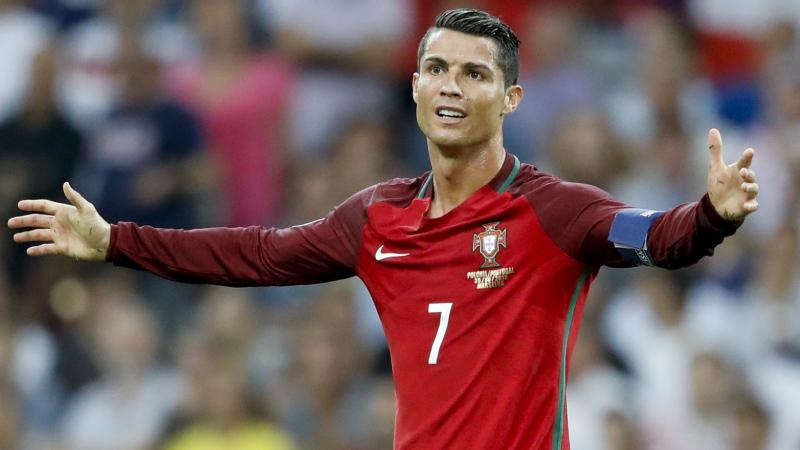 Cristiano Ronaldo a sugerat că ar putea pleca de la Real Madrid
