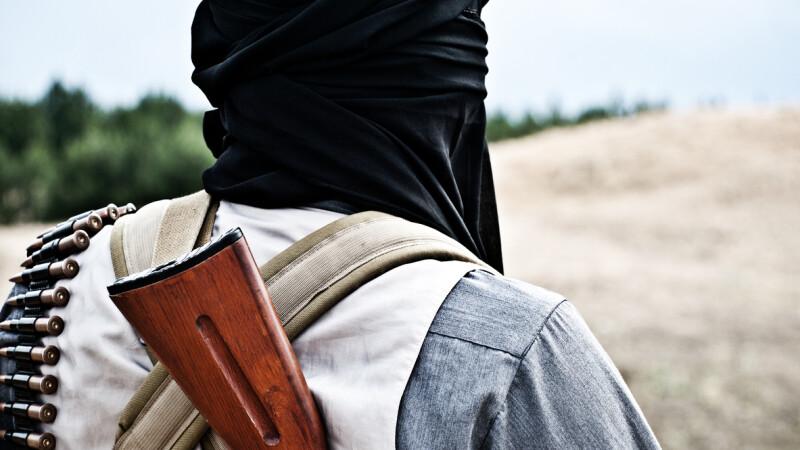 Luptatorii kurzi si arabi, sprijiniti de coalitia SUA, au inceput asaltul final asupra